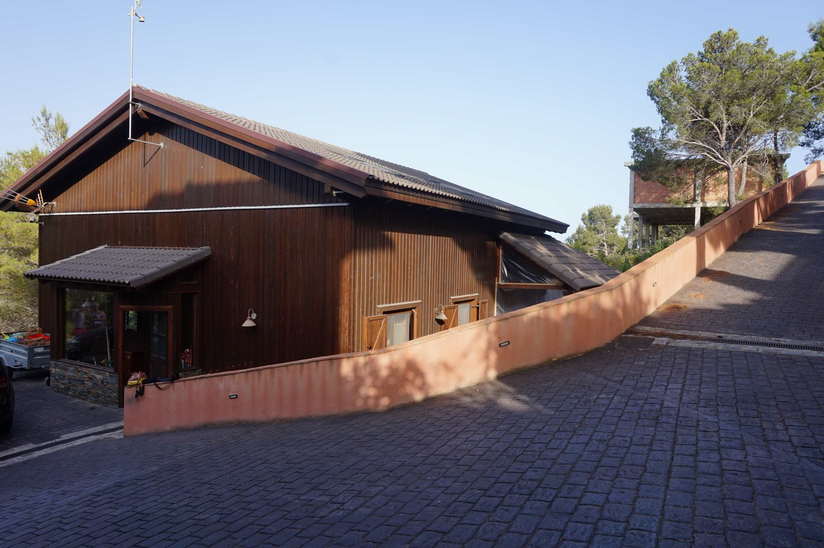 CHALET INDIVIDUAL EN ALMOSTER PICARANY